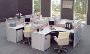 Bàn liền vách ngăn – Sự lựa chọn hợp lý cho các văn phòng hiện nay