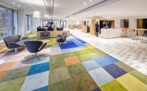 Thiết kế nội thất văn phòng làm việc phù hợp không gian văn phòng